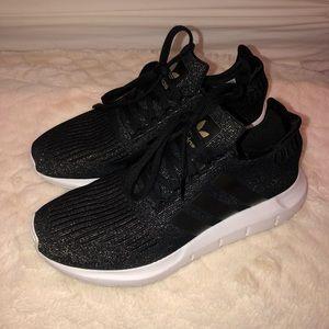 Adidas Women's Swift Run Black Sparkle Sneaker 👟